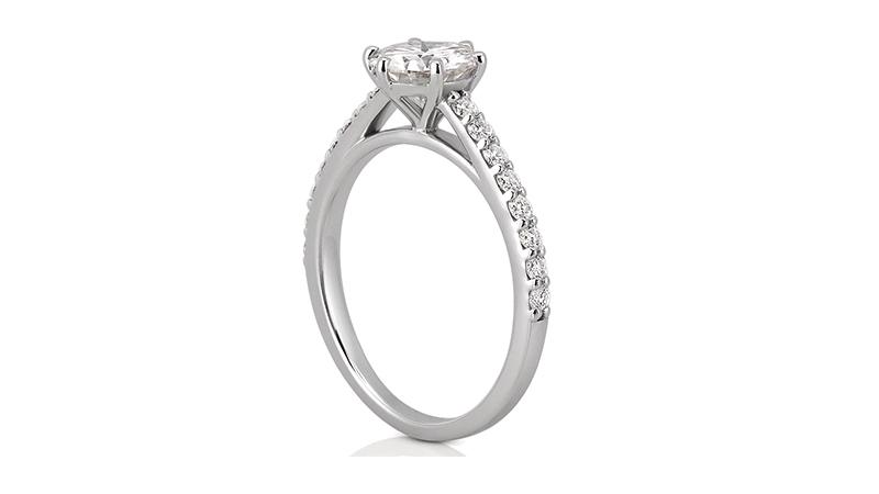 Nhẫn kim cươngCathedral