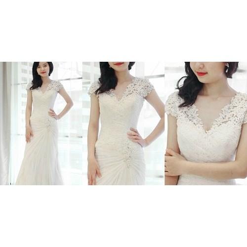 Bí quyết chọn váy cưới cô dâu phù hợp với dáng người-11