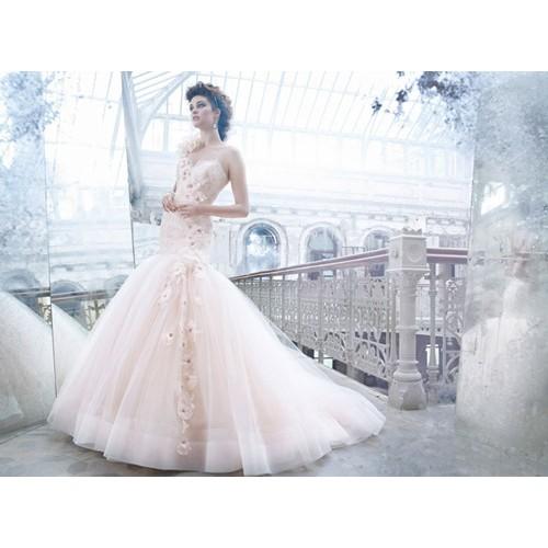 Bí quyết chọn váy cưới cô dâu phù hợp với dáng người-5