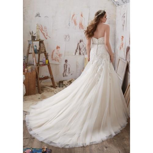 Những mẫu váy cưới công chúa giúp cô dâu đẹp tựa thiên thần-1