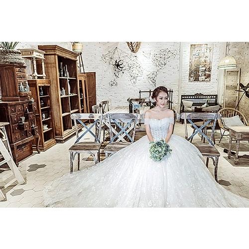 Những mẫu váy cưới công chúa giúp cô dâu đẹp tựa thiên thần-13