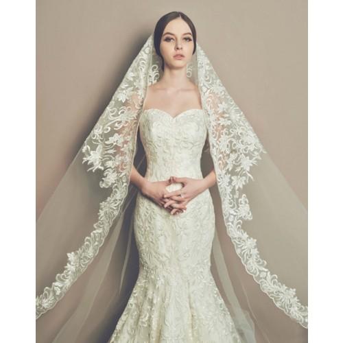 Cách chọn váy cưới cho cô dâu gầy xinh đẹp ngày cưới-2