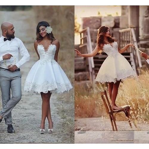 Cách chọn váy cưới cho cô dâu gầy xinh đẹp ngày cưới-8