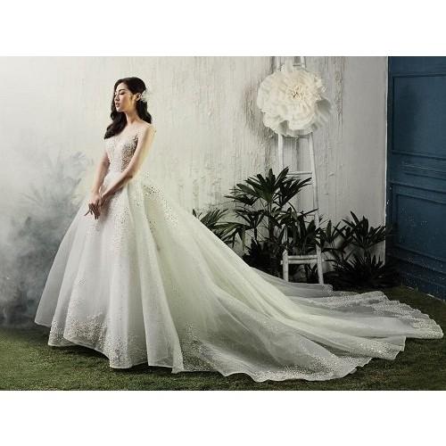 Cách chọn váy cưới cho cô dâu gầy xinh đẹp ngày cưới-9