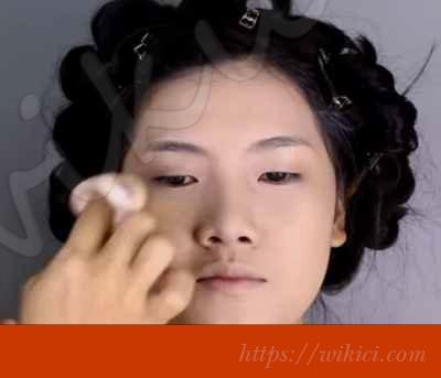 Cách trang điểm cho cô dâu mắt một mí-3