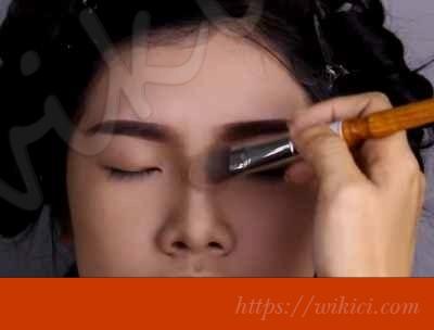 Cách trang điểm cho cô dâu mắt một mí-5
