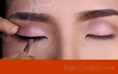 Cách trang điểm cho cô dâu mắt một mí-9