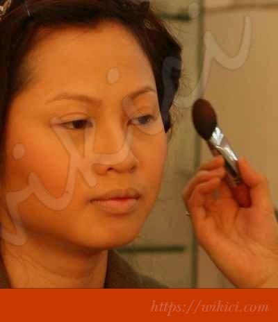 Cách trang điểm cô dâu có khuôn mặt tròn-6