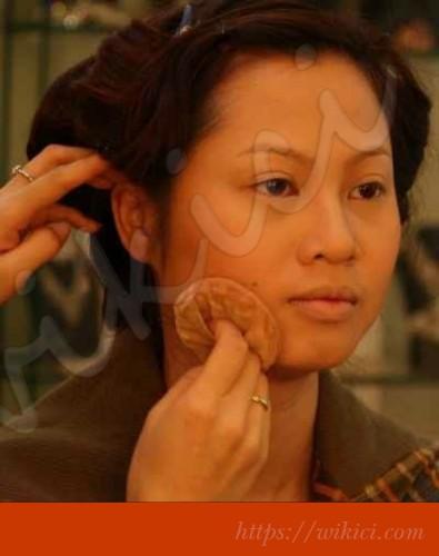 Cách trang điểm cô dâu có khuôn mặt tròn-7