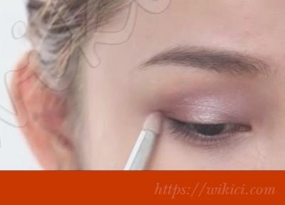 Cách trang điểm cô dâu theo phong cách Hàn Quốc-21
