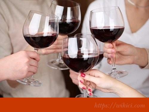Học cách uống rượu vang đúng điệu-3