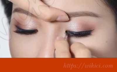 Hướng dẫn cách trang điểm cho cô dâu mặt dài-10