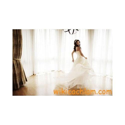 Mẹo tạo dáng tự nhiên khi chụp hình cưới-3