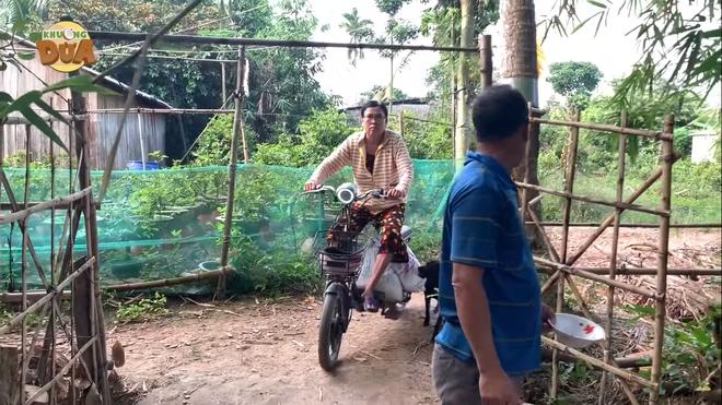 Bố mẹ Khương Dừa