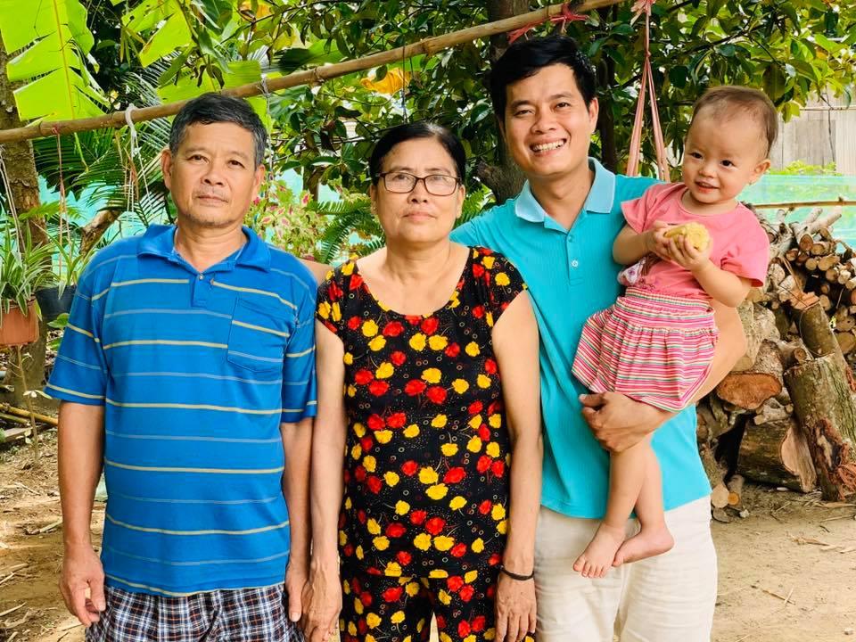 Bố , Mẹ , Khương Dừa và Con Gái